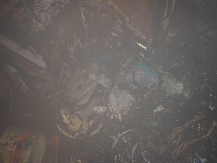 В Днепродзержинске из-за пожара на Комсомольском проспекте пострадал мужчина (фото) - фото 7