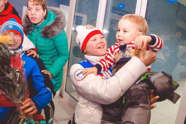 Лыжники-параолимпийцы вернулись в Сыктывкар с триумфом (фото) - фото 1