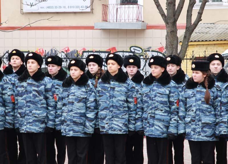 Жители города вспомнили земляков, погибших в Чечне (фото) - фото 4