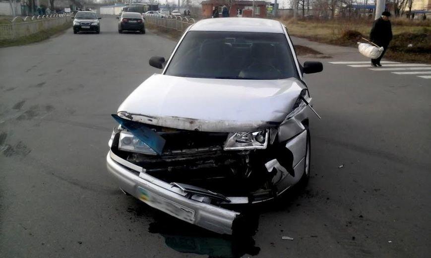 В Мариуполе из-за столкновения двух автомобилей пострадала женщина на тротуаре (ФОТО), фото-5
