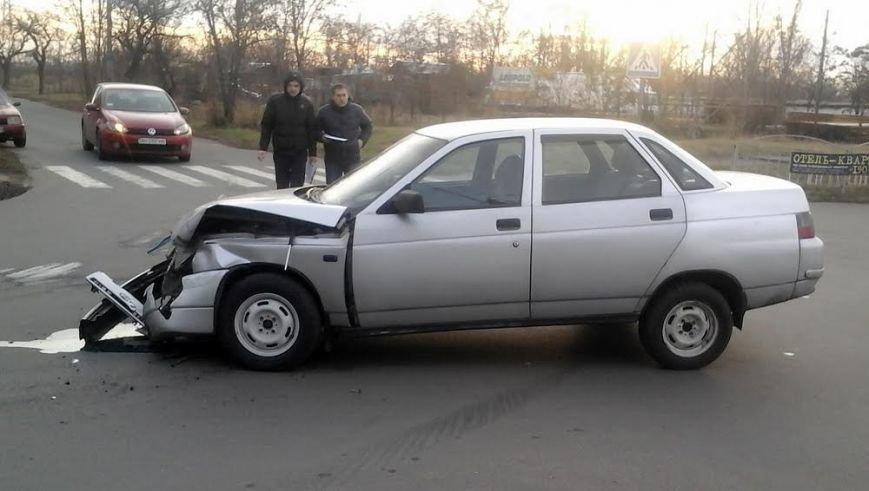 В Мариуполе из-за столкновения двух автомобилей пострадала женщина на тротуаре (ФОТО), фото-2