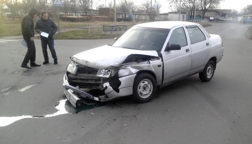 В Мариуполе из-за столкновения двух автомобилей пострадала женщина на тротуаре (ФОТО), фото-4