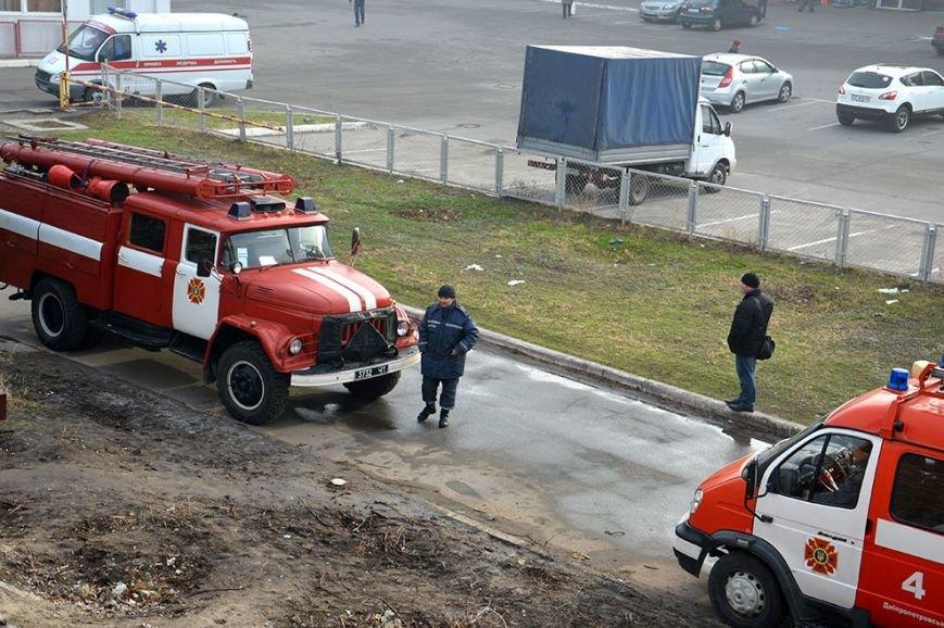 При пожаре в торгово-развлекательном центре Днепропетровска спасены 17 человек (ФОТО) (фото) - фото 4
