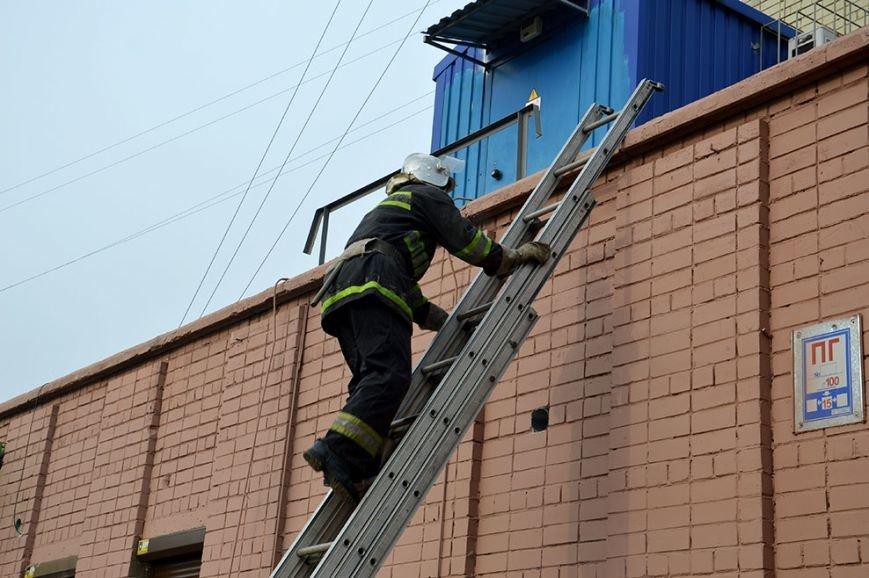 При пожаре в торгово-развлекательном центре Днепропетровска спасены 17 человек (ФОТО) (фото) - фото 3