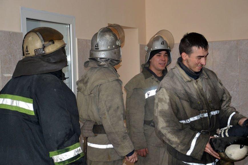 При пожаре в торгово-развлекательном центре Днепропетровска спасены 17 человек (ФОТО) (фото) - фото 6