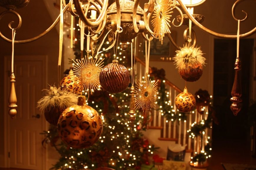 christmas chandelier a
