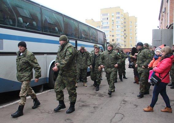 В Житомир из зоны проведения АТО вернулся сводный отряд полицейских (фото) - фото 1
