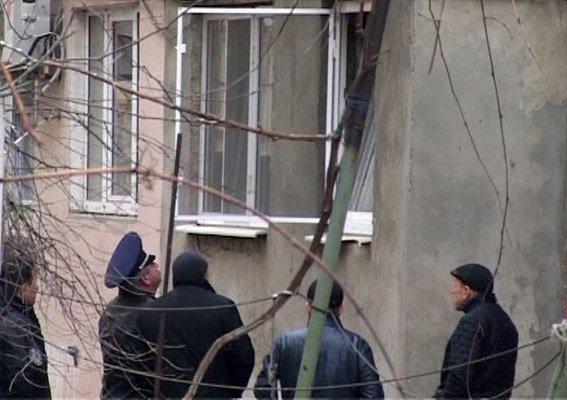 2e12b3c2aa20ec15cff9a92ad436a324 Пятничный переполох в Одессе – в центре города мужчина хотел подорвать дом
