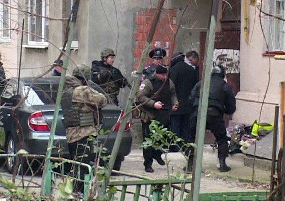 b3579ef4aa0106bb590321b2b58b1c58 Пятничный переполох в Одессе – в центре города мужчина хотел подорвать дом