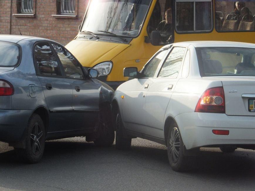 В Кировограде случилось небольшое ДТП. ФОТО (фото) - фото 1