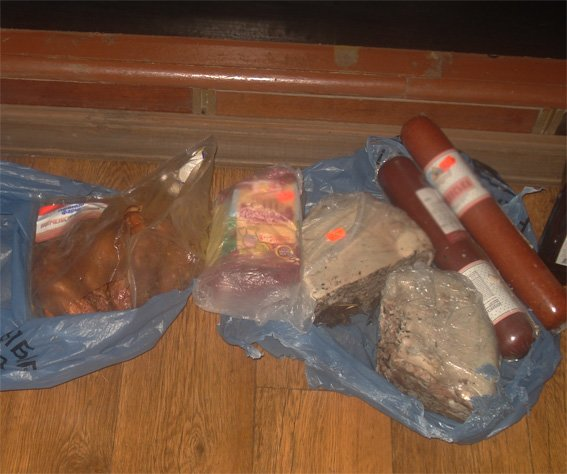 Мужчина через крышу проник в магазин и вынес товар (ФОТО) (фото) - фото 1
