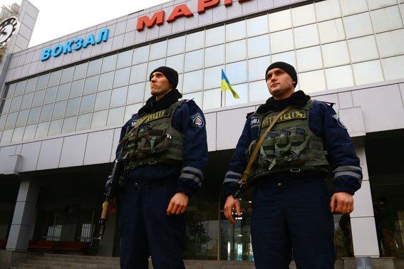 Полиция на железнодорожном и автовокзале Мариуполя ловила диверсантов (ФОТО) (фото) - фото 1