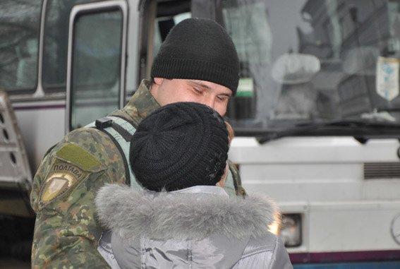 Як полтавських правоохоронців зі Сходу зустрічали (ФОТО) (фото) - фото 4