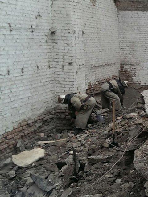 На Николаевщине рухнул старый завод: есть погибшие (ФОТО) (фото) - фото 1