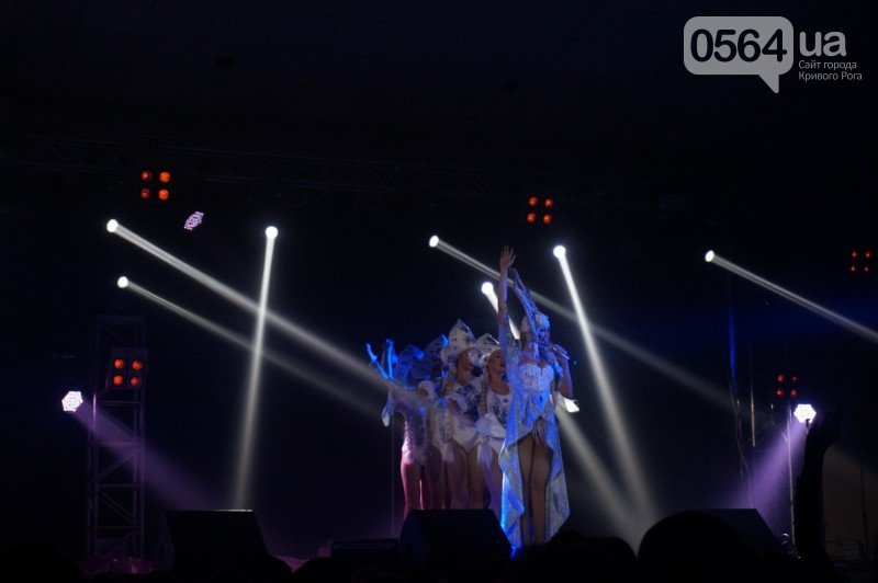 "Супер блондинка Оля Полякова ""зажгла"" в Кривом Роге (ФОТО), фото-1"