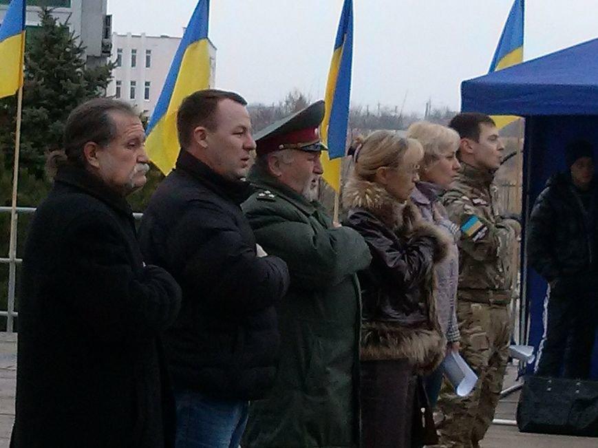 Активисты Правого сектора, Мариупольской дружины и их единомышленники предложили ввести военно-гражданскую администрацию в Мариуполе (ФОТО) (фото)...