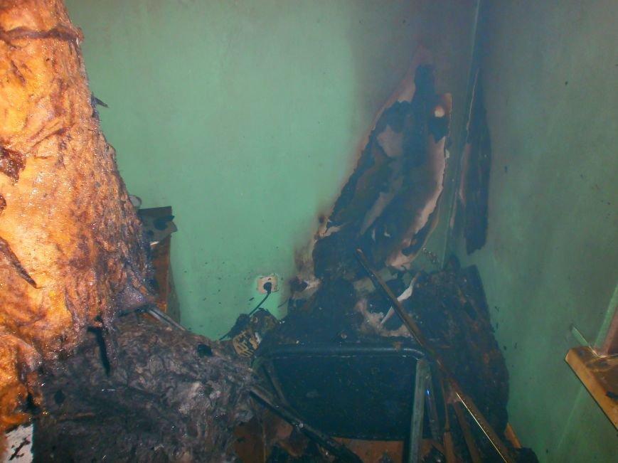 В Днепродзержинске ночью горел автокомплекс (фото) - фото 4
