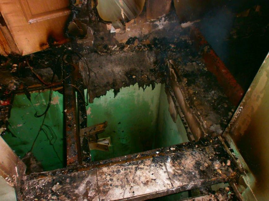 В Днепродзержинске ночью горел автокомплекс (фото) - фото 3