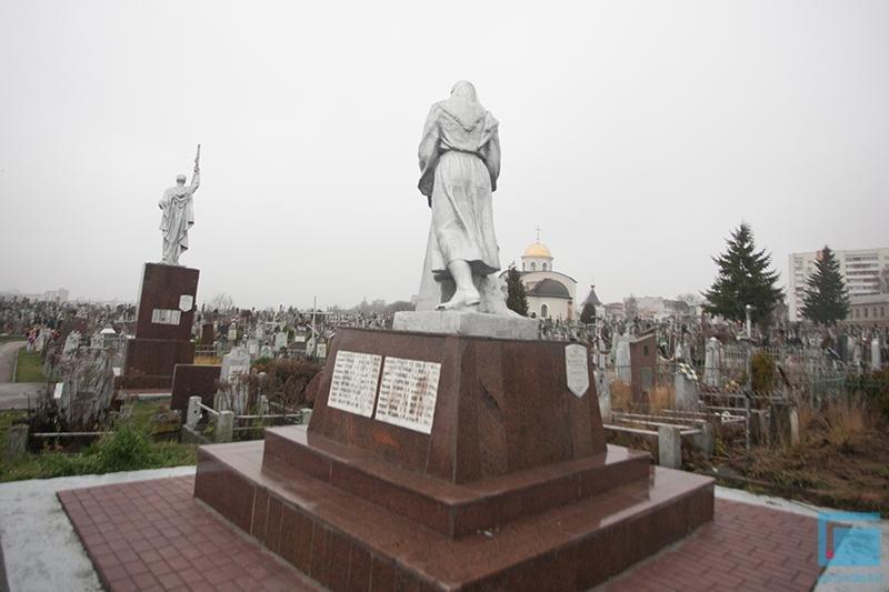В Гродно активисты добиваются включения старого кладбища в список памятников (фото) - фото 3