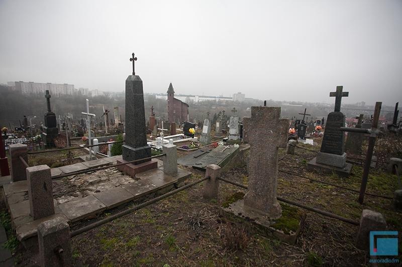 В Гродно активисты добиваются включения старого кладбища в список памятников (фото) - фото 5