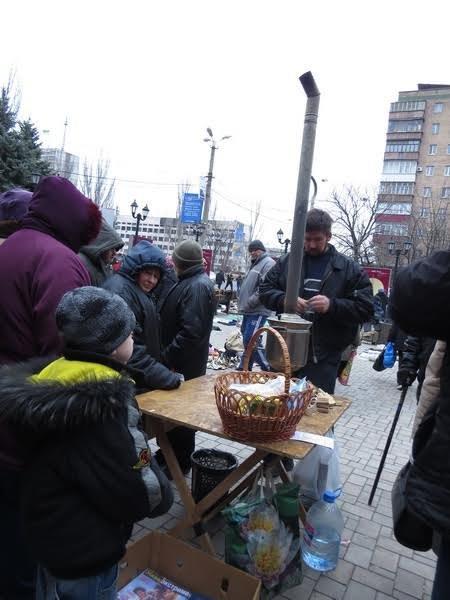 Мариупольцев поили бесплатным чаем (ФОТО), фото-9