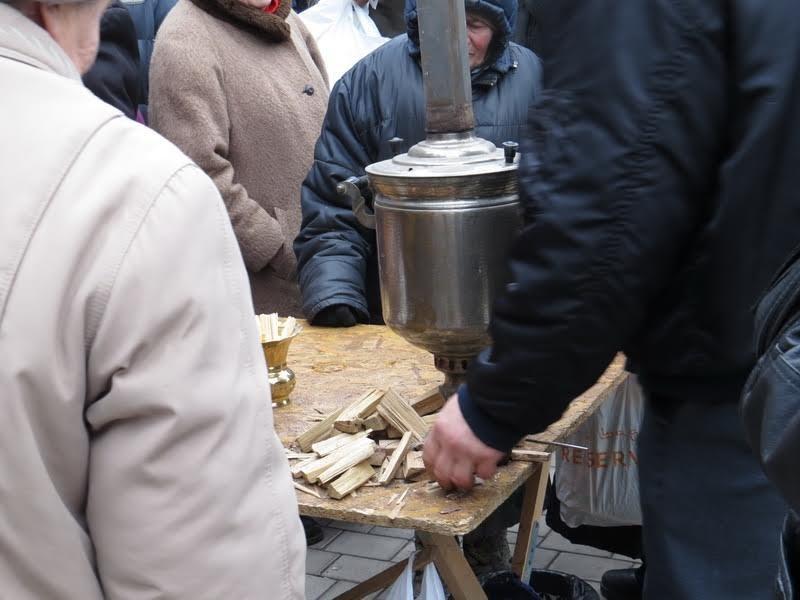 Мариупольцев поили бесплатным чаем (ФОТО), фото-7