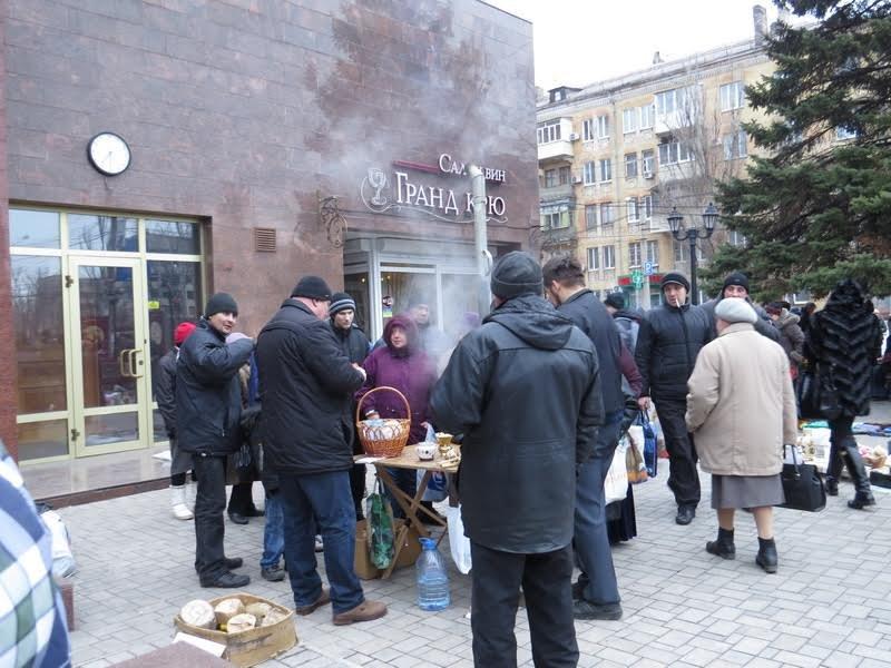 Мариупольцев поили бесплатным чаем (ФОТО), фото-10