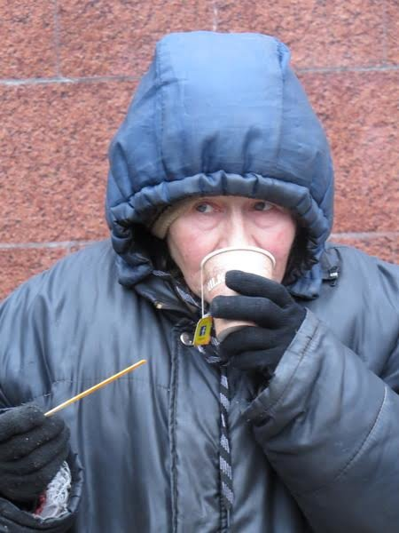 Мариупольцев поили бесплатным чаем (ФОТО), фото-8