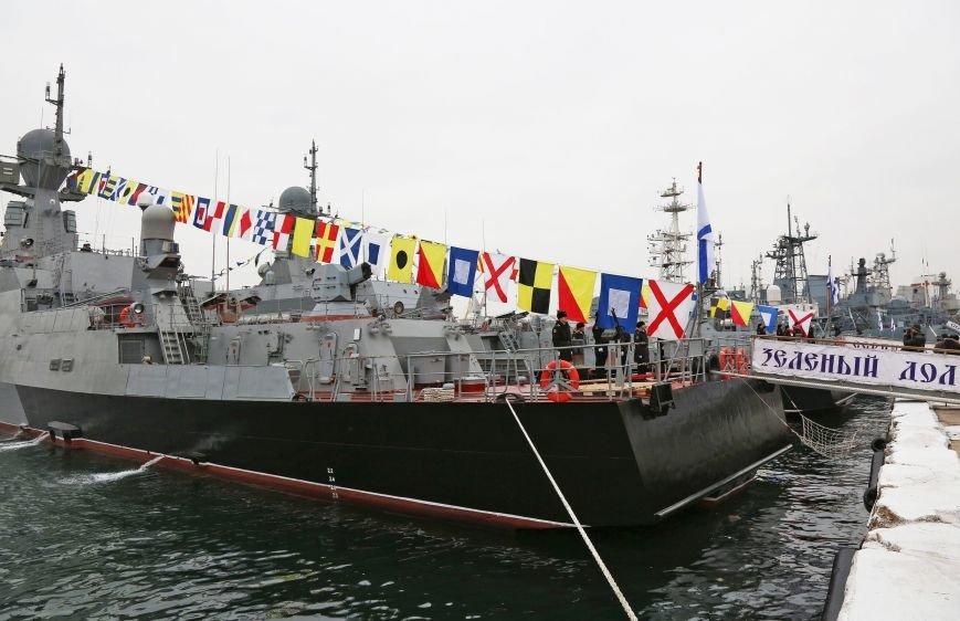 В Севастополе состоялось торжество в честь ввода кораблей «Зеленый Дол» и «Серпухов» в состав Черноморского флота (ФОТО) (фото) - фото 4