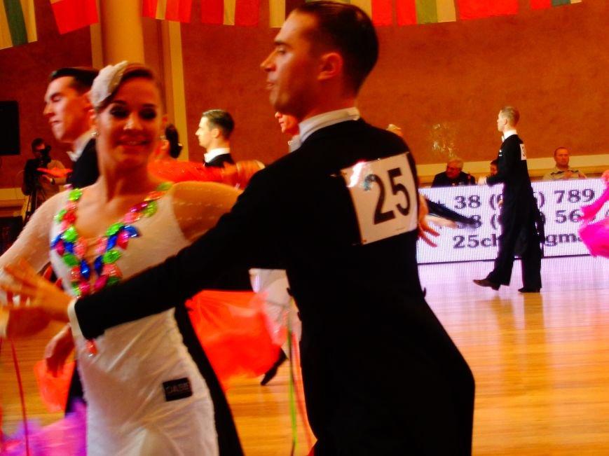 В Днепропетровске за звание лучших бальников соревновались танцоры со всего мира (ФОТО, ВИДЕО) (фото) - фото 3