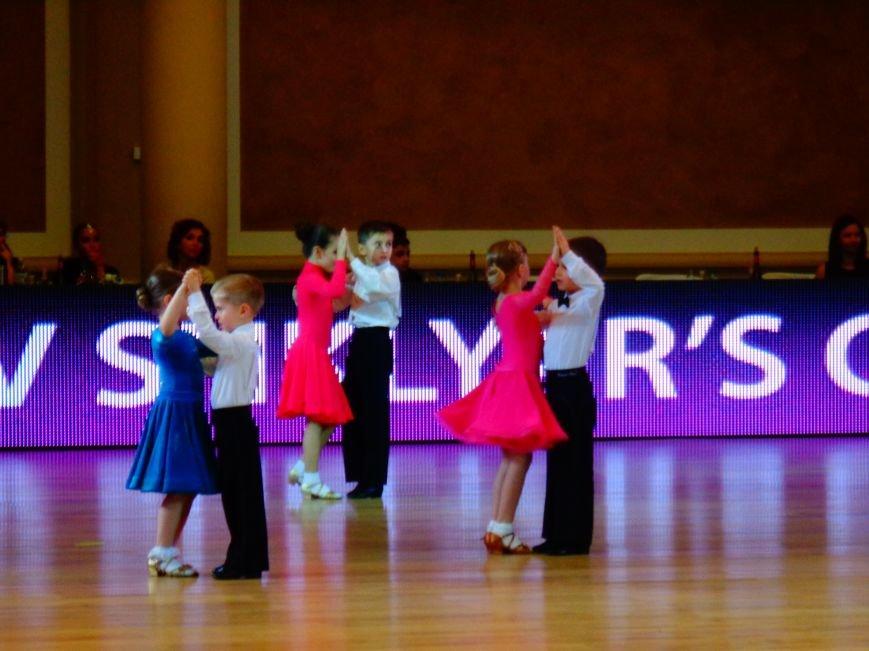 В Днепропетровске за звание лучших бальников соревновались танцоры со всего мира (ФОТО, ВИДЕО) (фото) - фото 1