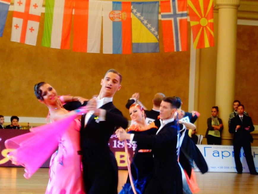 В Днепропетровске за звание лучших бальников соревновались танцоры со всего мира (ФОТО, ВИДЕО) (фото) - фото 4