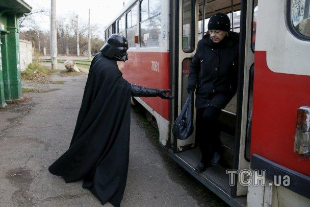 Фотографы показали типичный день одесского Дарта Вейдера (ФОТО) (фото) - фото 1