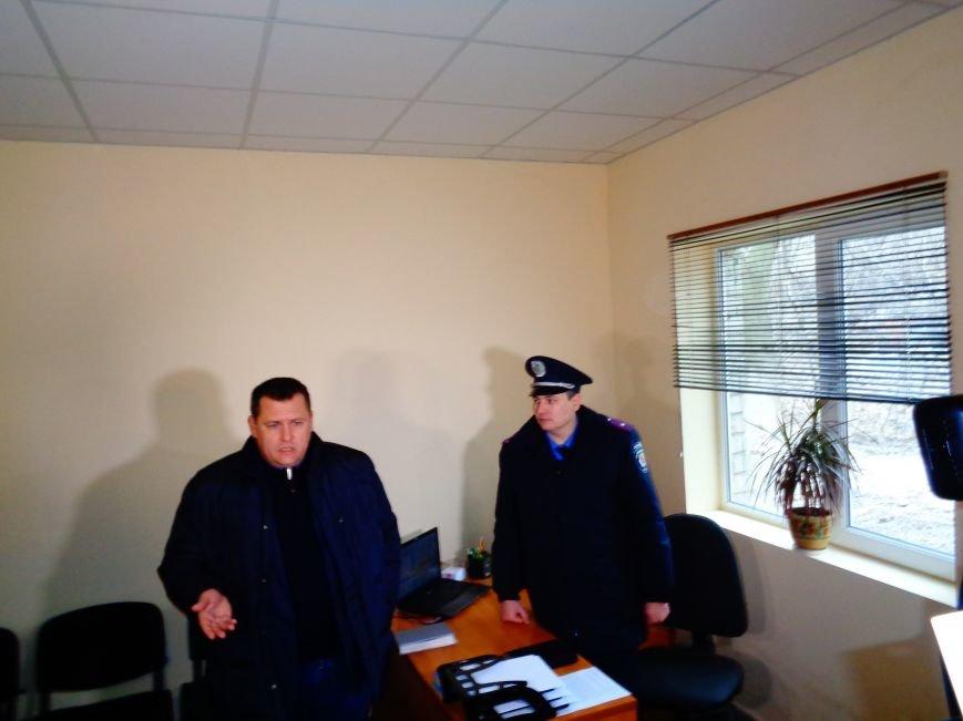 На Мирном открыли полицейский участок вместо «пивнушки» (ФОТО) (фото) - фото 4