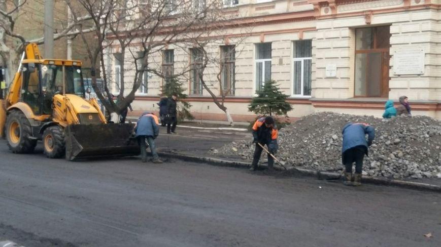 В Днепропетровске продолжается ремонт улицы Московской (ФОТО) (фото) - фото 2