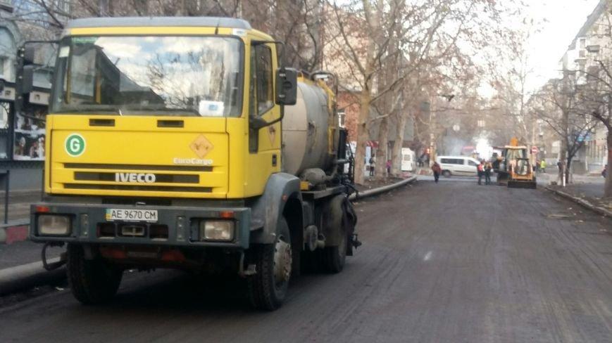 В Днепропетровске продолжается ремонт улицы Московской (ФОТО) (фото) - фото 7