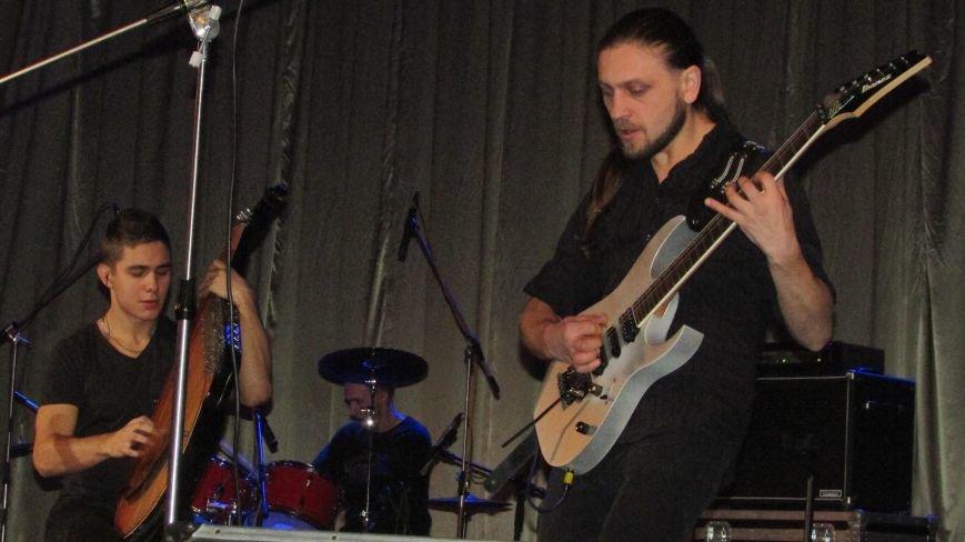 В Северодонецке выступили две украинские музыкальные группы (ФОТО), фото-6