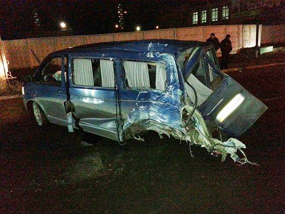 Цієї ночі у Хмельницькому сталося дві аварії за участю молодих людей (Фото) (фото) - фото 2