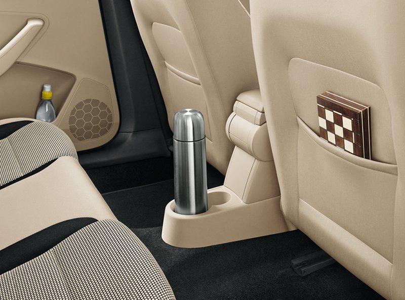 Storage-pockets-on-the-back-of-front-seats-+-bottle-holder-RPD13-LB-048_result