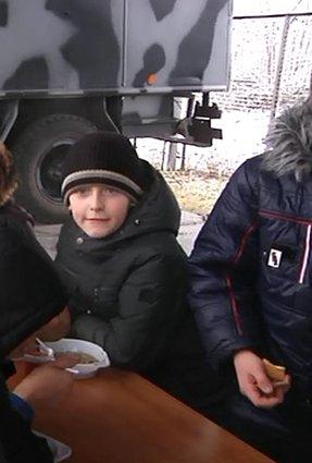 В Днепропетровске полиция полка особого назначения провела экскурсию детям (ФОТО) (фото) - фото 1
