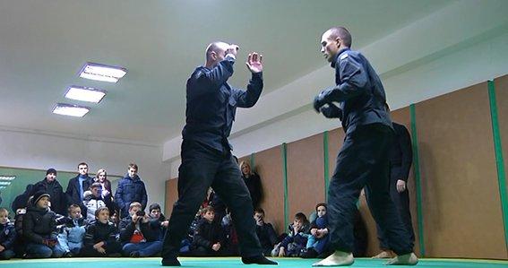 В Днепропетровске полиция полка особого назначения провела экскурсию детям (ФОТО) (фото) - фото 2