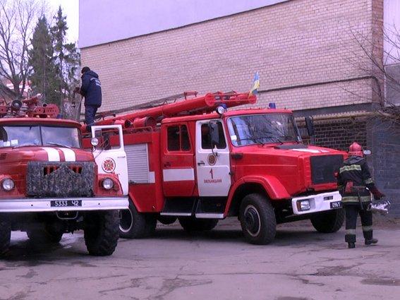 Сьогодні у Хмельницькому горіла багатоповерхівка (Фото) (фото) - фото 1
