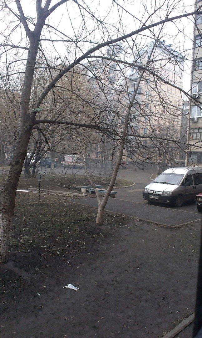 В Кривом Роге: депутаты райсовета проигнорировали сессию, горела многоэтажка, а 500 криворожан уже записались на Всеукраинское вече (фото) - фото 2