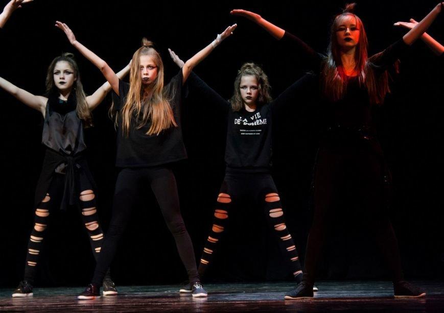 Молодежь устроила хип-хоп баттл и мастерски отбитбоксила на фестивале в Пушкине (фото) - фото 1