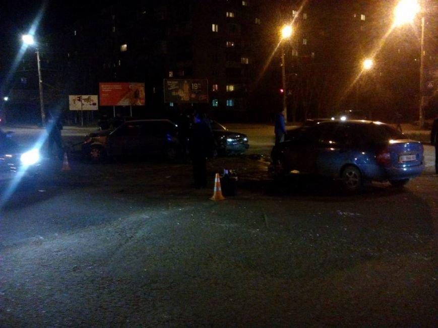 Потрійна ДТП у спальному районі Івано-Франківська (ФОТО) (фото) - фото 1