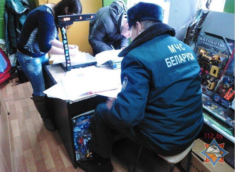 В Полоцке выявили нарушения в местах продажи пиротехнических изделий (фото) - фото 2