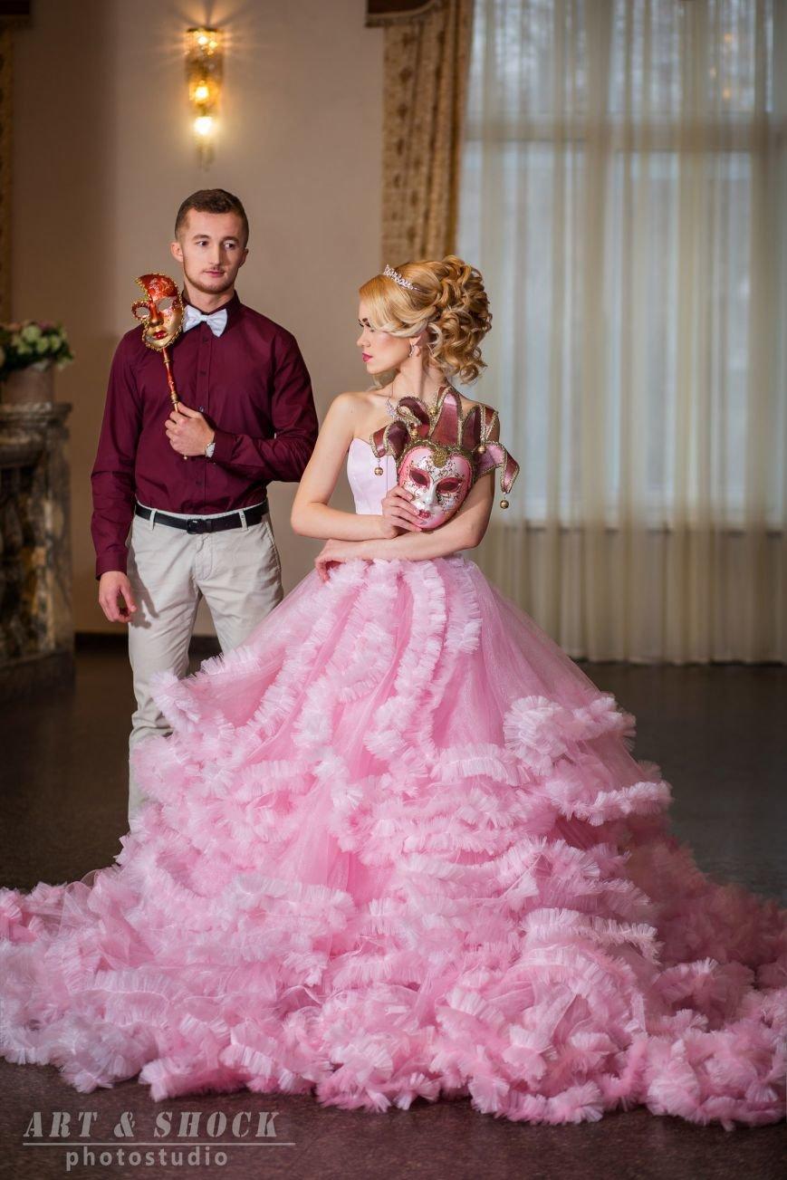 Кременчугские модельеры воплотили мечту каждой женщины - стать королевой бала! (фото) - фото 1