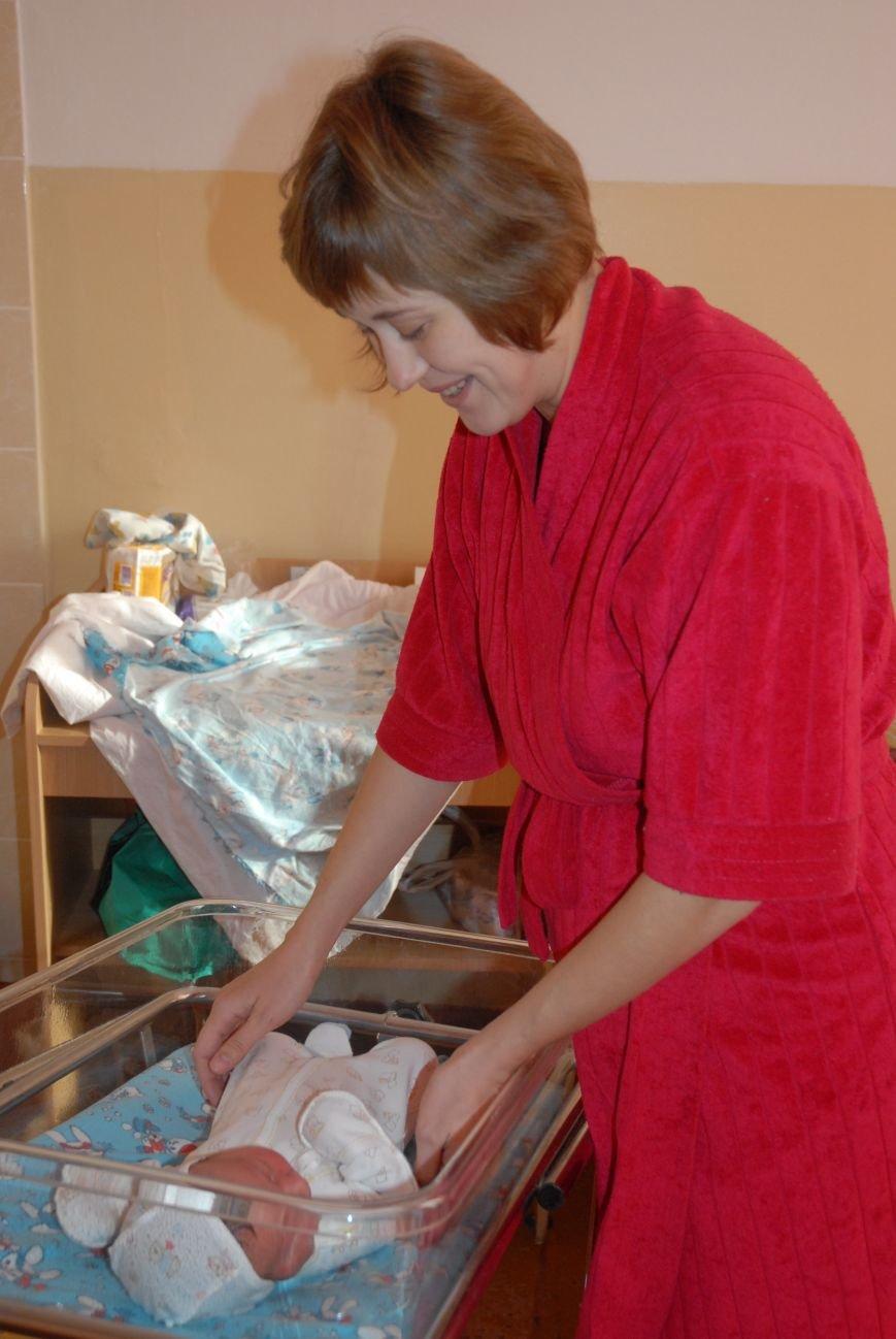 Родителям не придется стоять в очереди за главным документом новорожденных николаевцев (ФОТО), фото-16