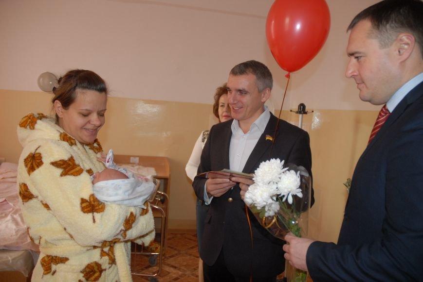 Родителям не придется стоять в очереди за главным документом новорожденных николаевцев (ФОТО), фото-18