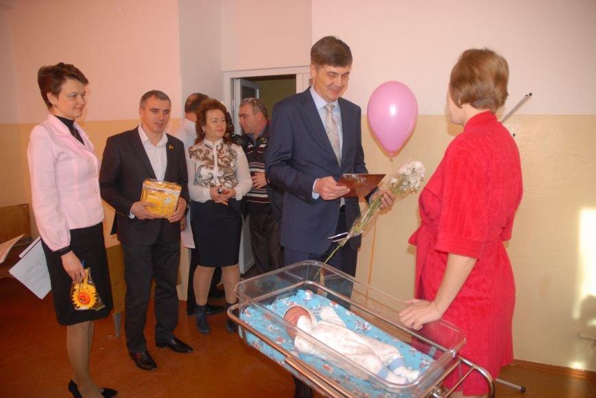 Родителям не придется стоять в очереди за главным документом новорожденных николаевцев (ФОТО), фото-17